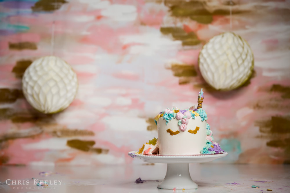 gwendolyn-one-year-cake-smash-dover-new-hampshire-photographer-22.jpg
