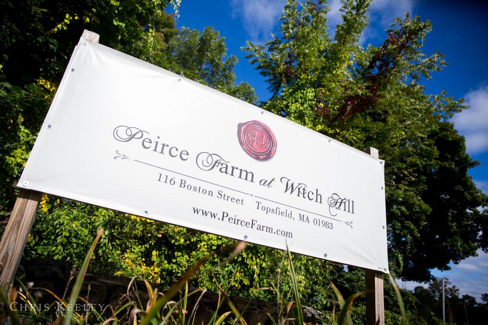 pierce-farm-witch-hill-wedding-photos-jen-and-joe-01.jpg