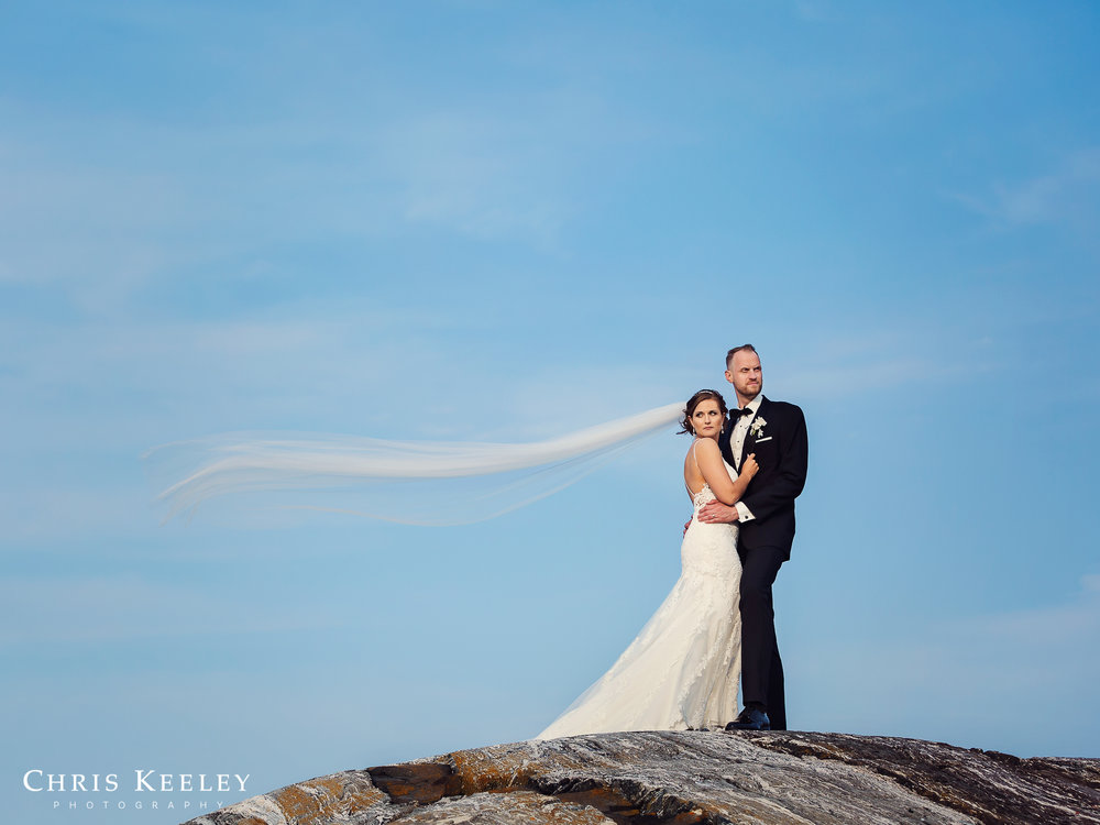 new-hampshire-wedding-bride-groom-ocean-picture.jpg