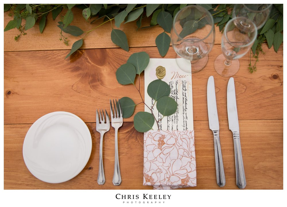opulent-stylish-table-setting-summer-wedding.jpg