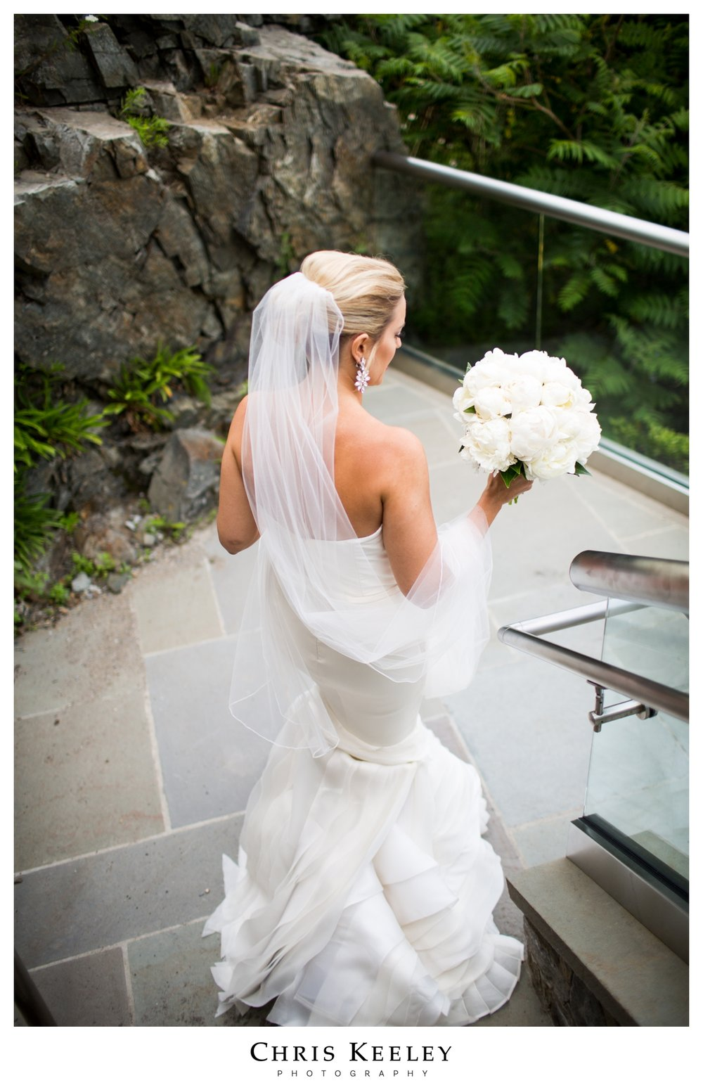 bride-going-to-cliffs.jpg
