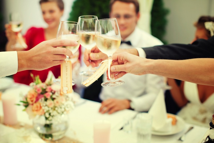 money saving wedding tips