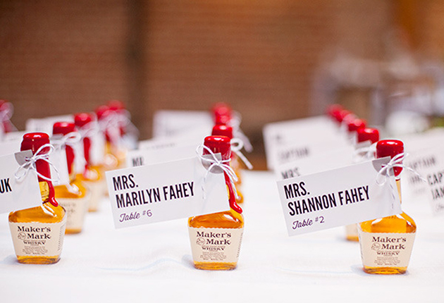 alcohol-wedding-favors-whiskey.jpg