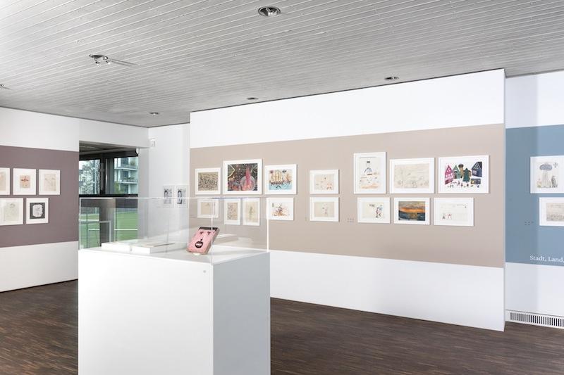 Paperworlds, Kinder- und Jugendzeichnungen zeitgenössischer Künstler, Ausstellungsansicht   me Collectors Room Berlin, 2014. © Valeska Hageney & Sylvia Volz. Foto: Jonas Wilisch, www.setform.de