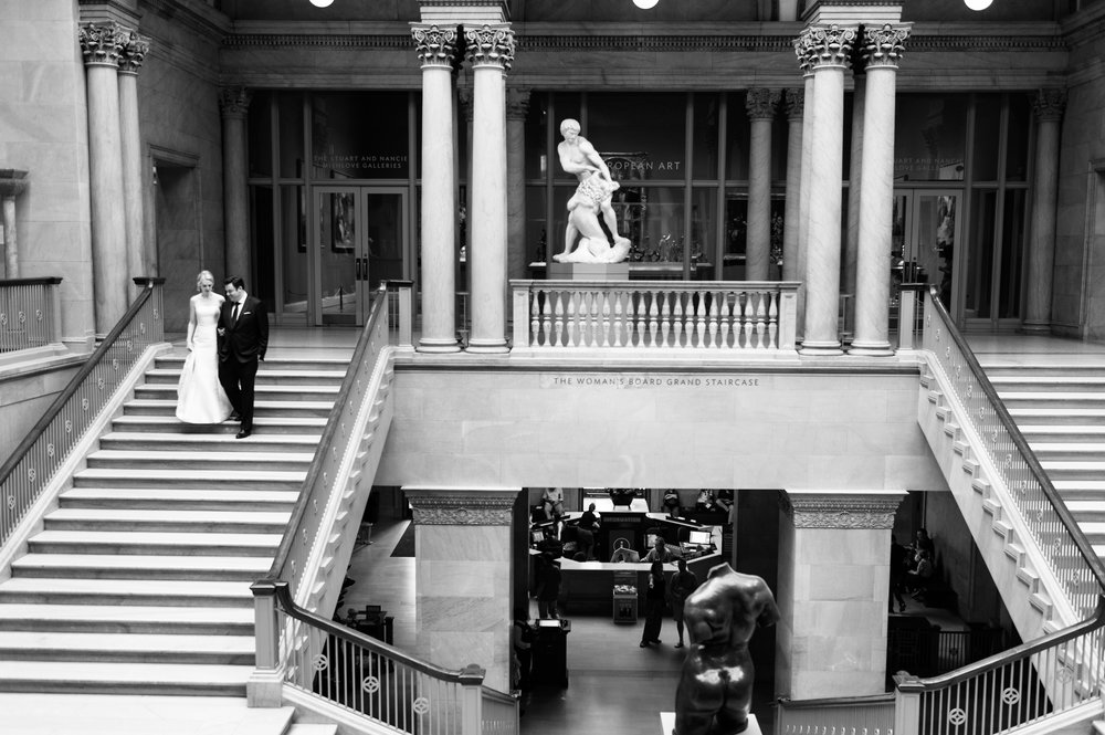 Black and White wedding photos at the Art Institute Chicago