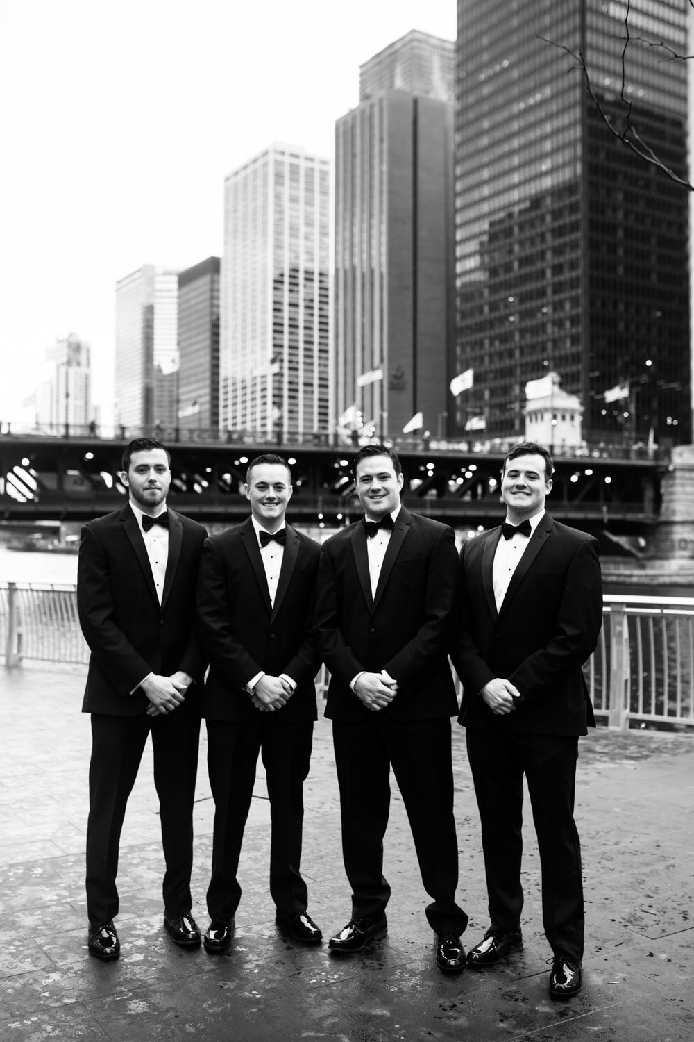 chicago skyline wedding party
