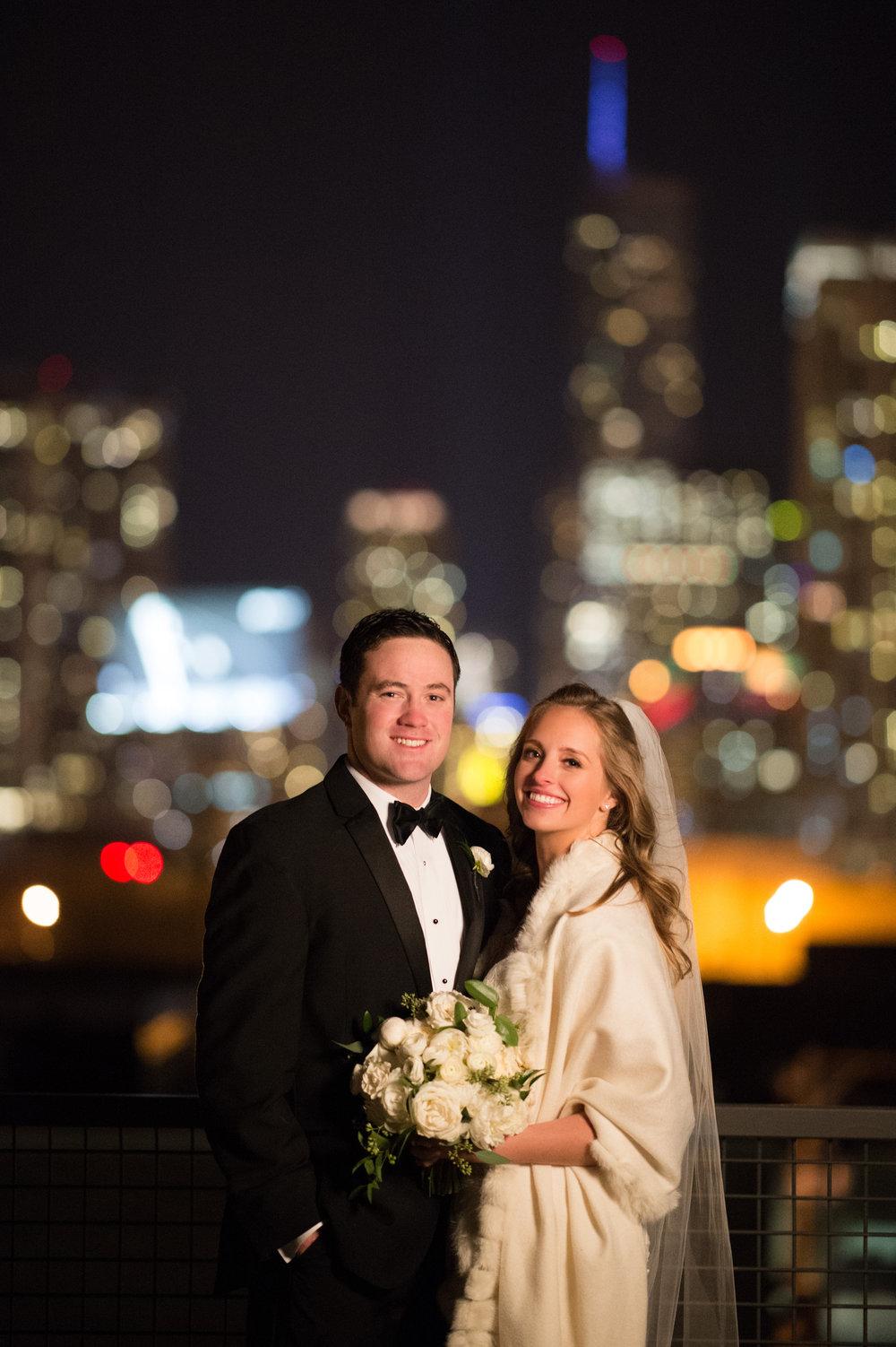 bride and groom chicago skyline wedding