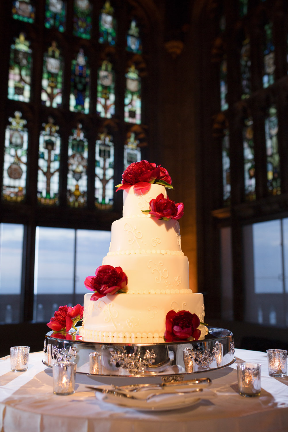 Wedding cake at University Club of Chicago