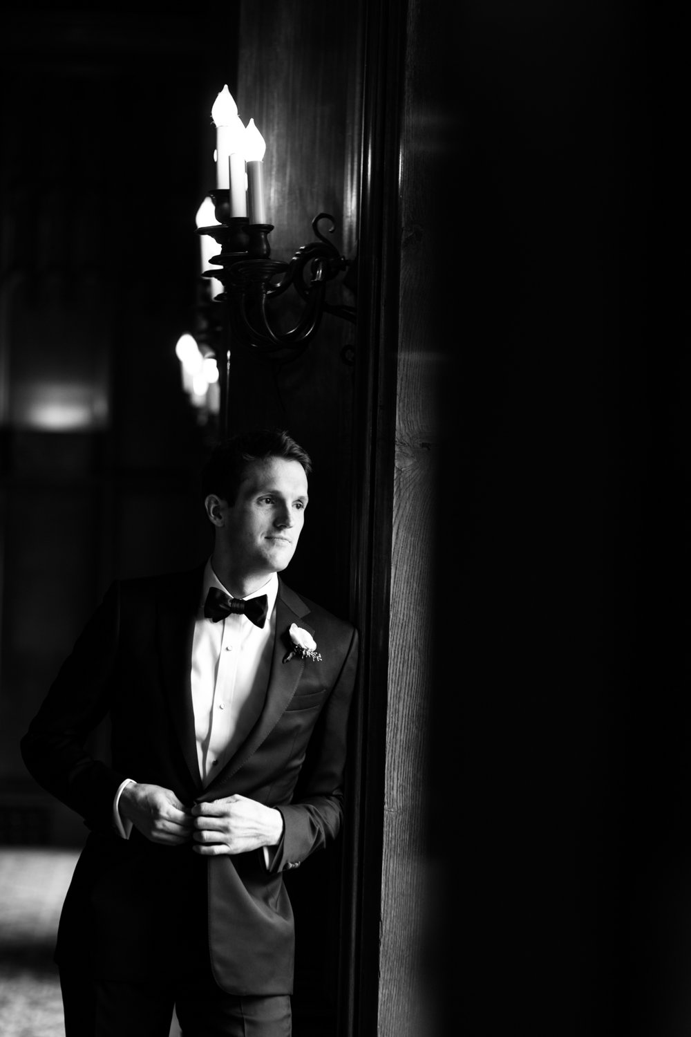 Black and white portrait of a groom at the University Club of Chicago