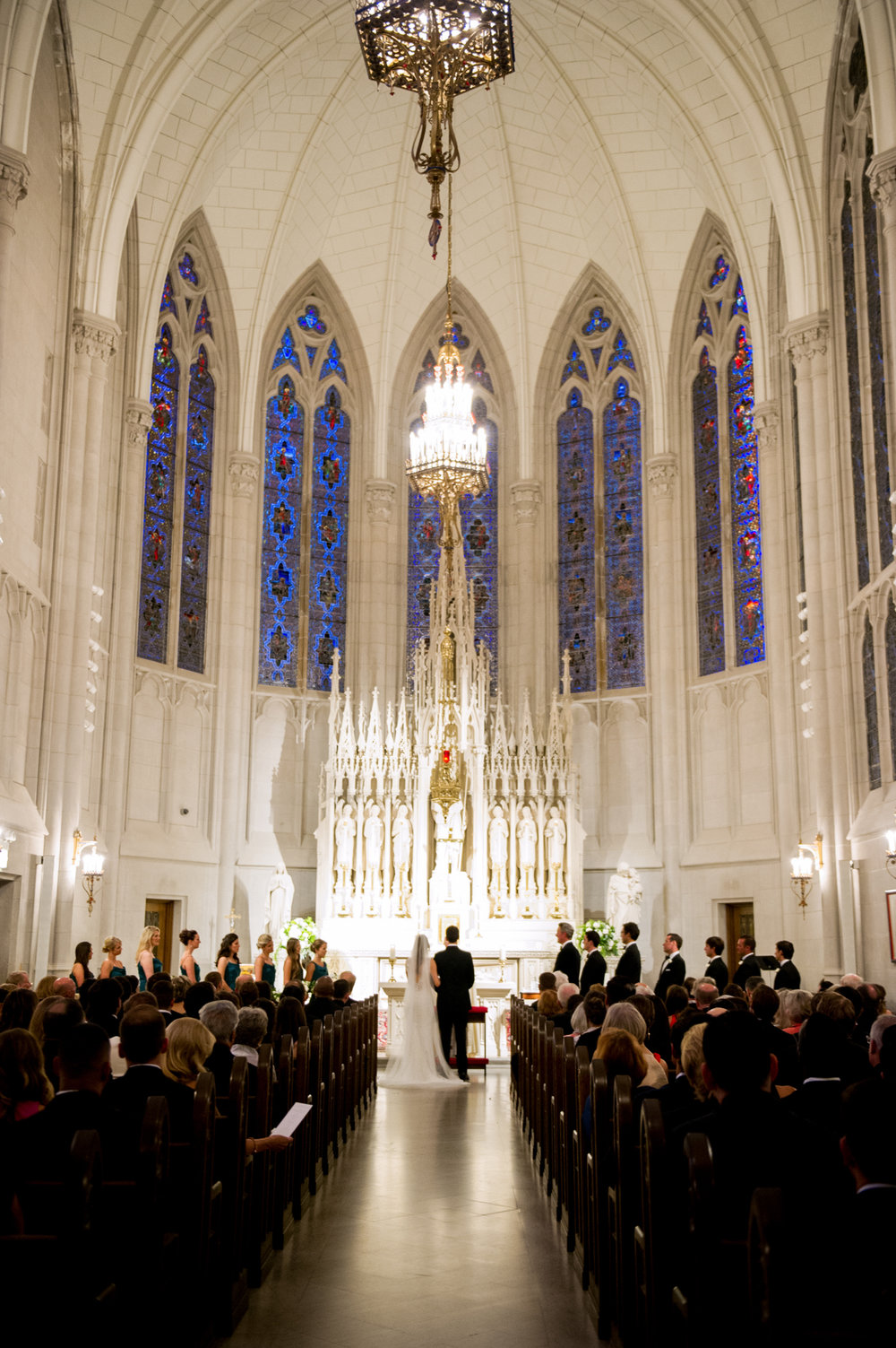 Wedding ceremony at St James Chapel in Chicago, Illinois