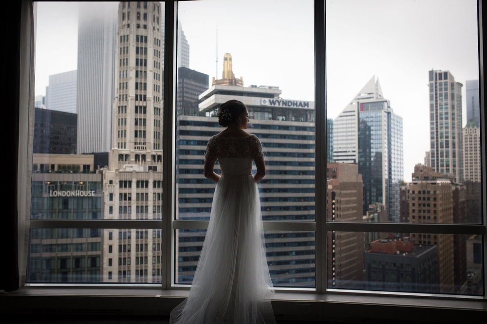 Bridal silhouette against Chicago skyline