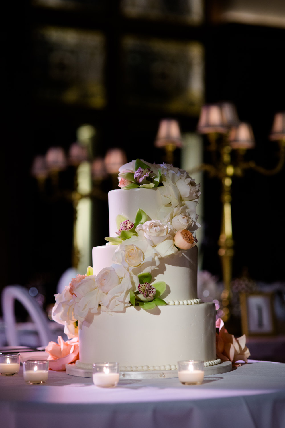 Elegant southern inspired wedding cake at Chicago Athletic Association Hotel