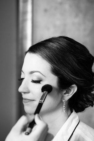 Bride gets ready for wedding at Palmer House Hotel Chicago