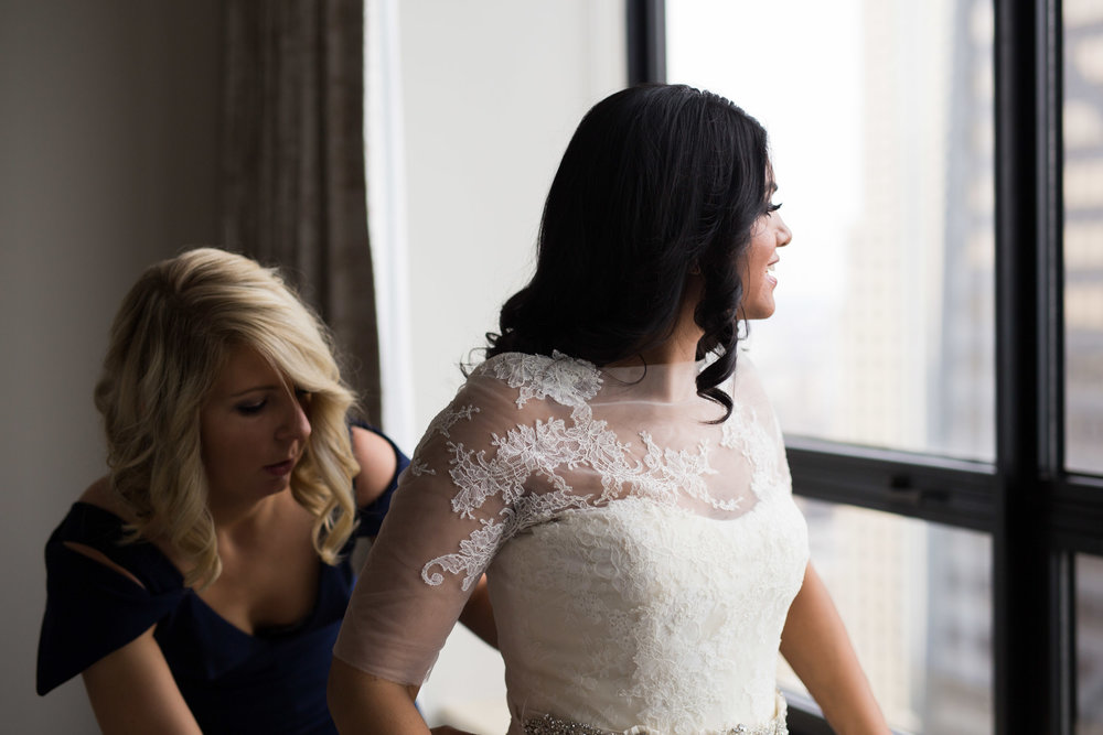 Bride gets ready at the Ritz Carlton Chicago