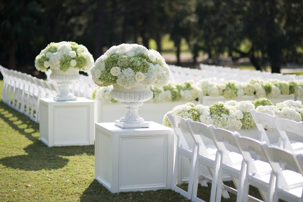 Classic, elegant ceremony decor at Kiawah Island River Course