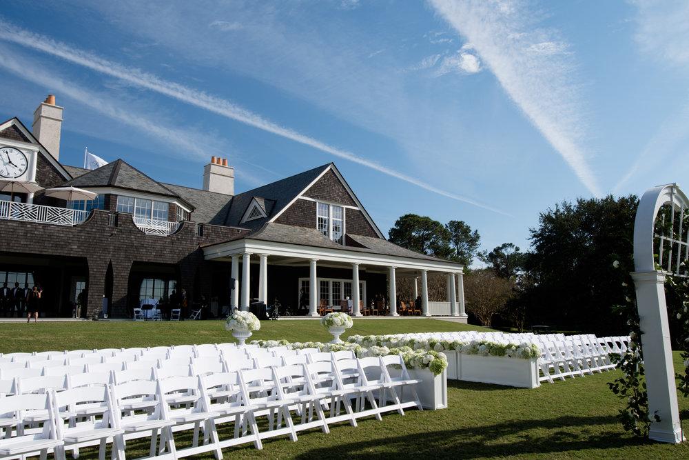 Wedding ceremony at Kiawah Island Golf Club River Course