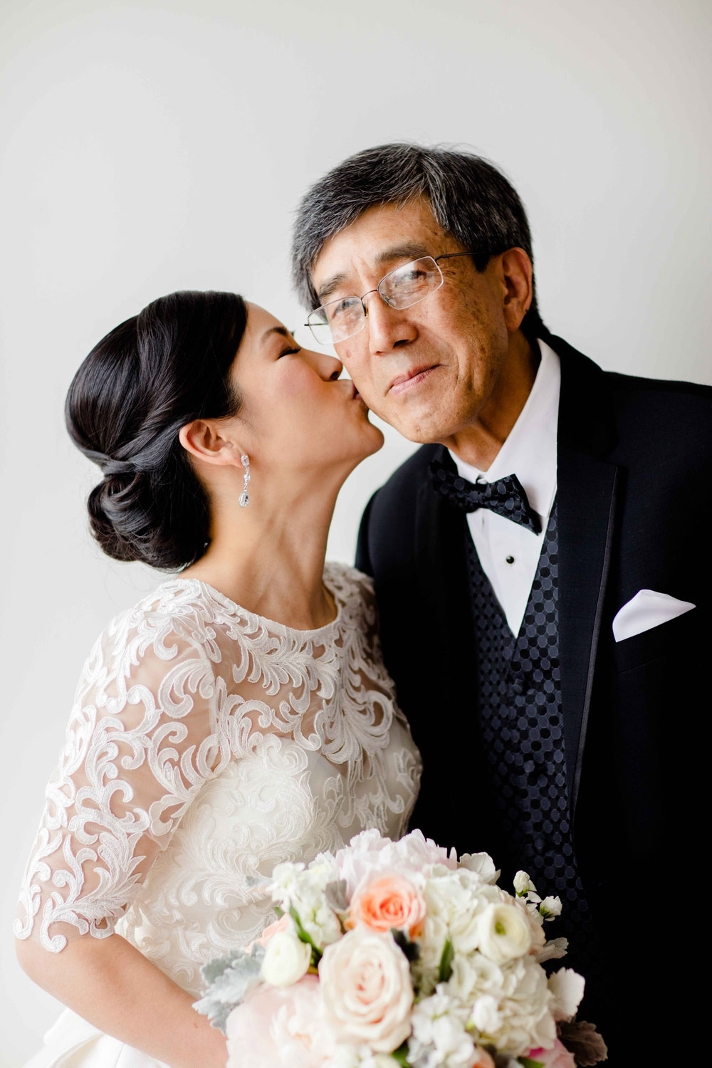 Bride's father sees her on wedding morning before ceremony at Art Institute of Chicago