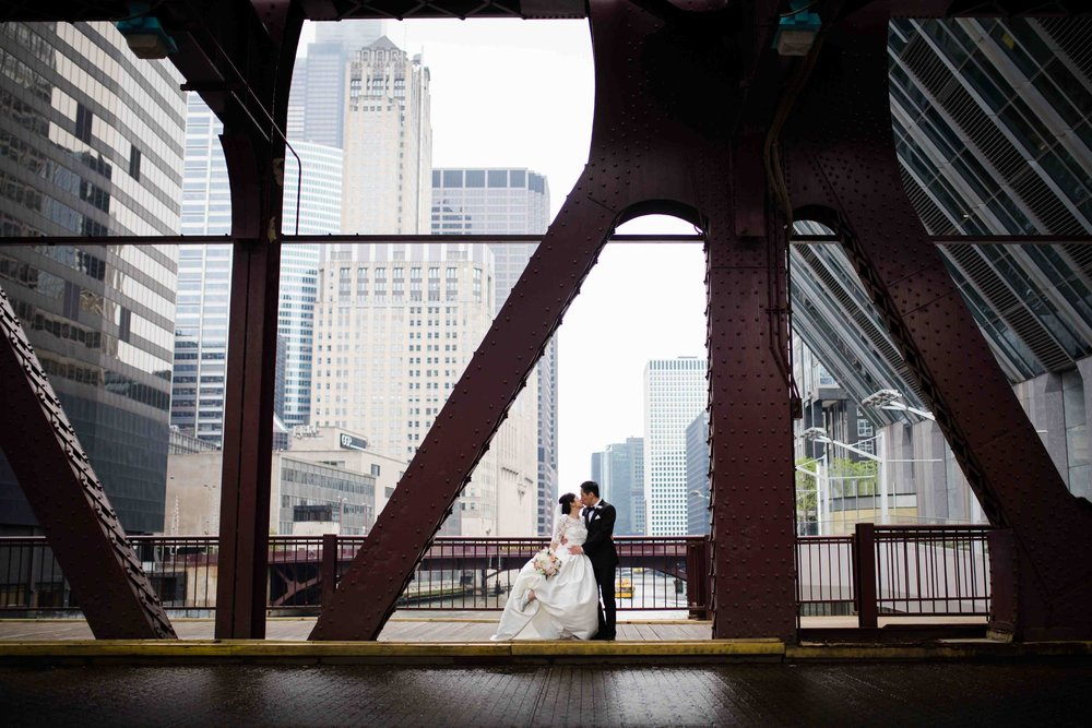 Wedding photography in downtown Chicago