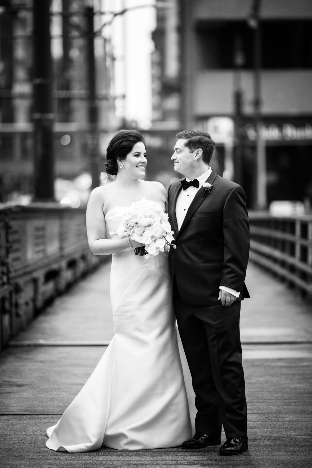 Wedding portraits in downtown Chicago