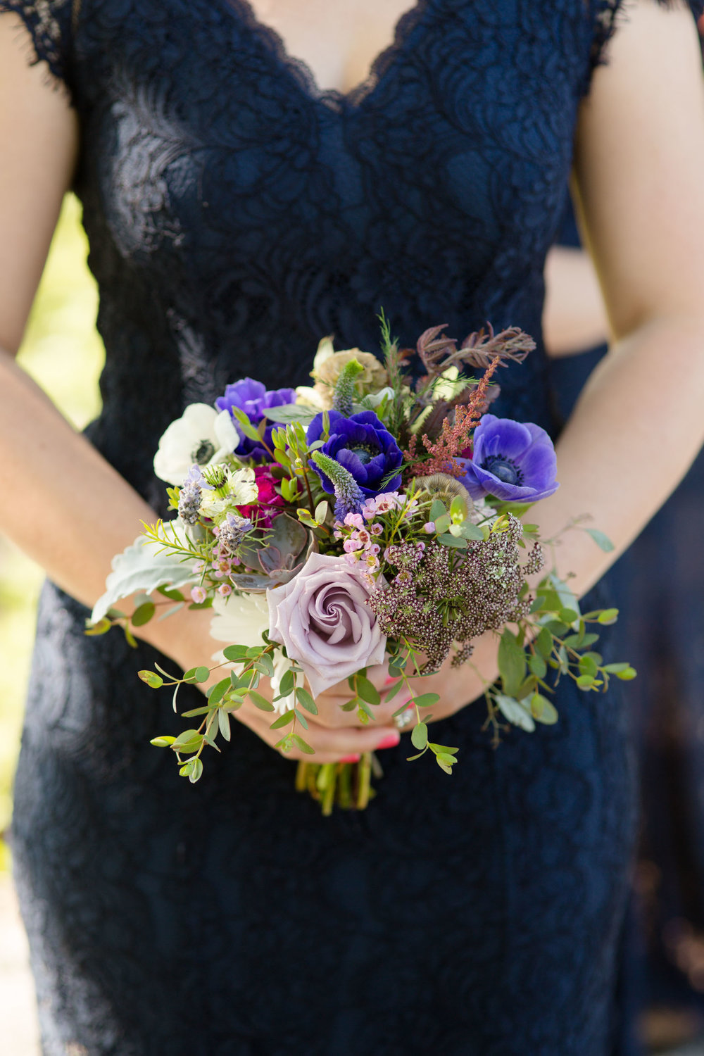 Wildflower bridal bouquet in Chicago Northerly Island