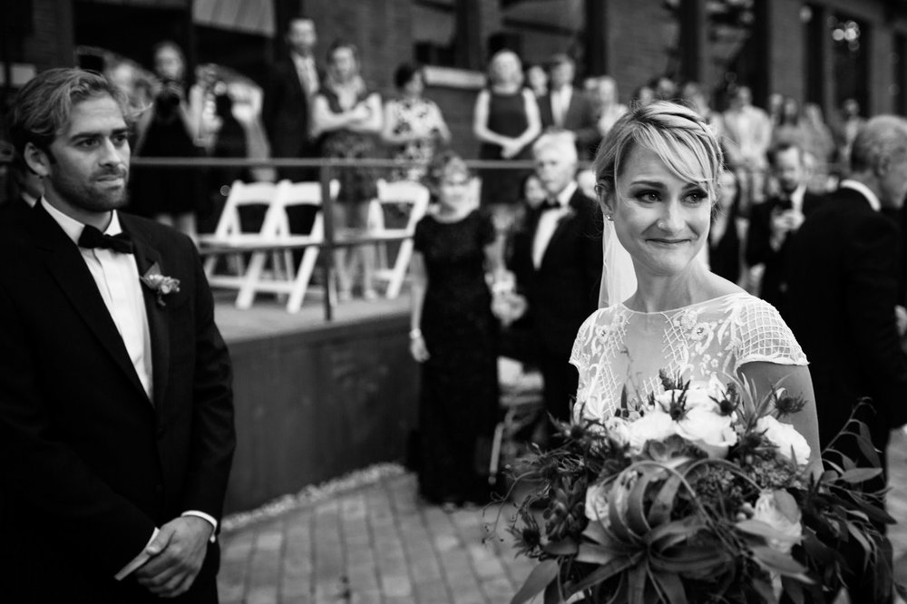 Romantic and documentary wedding photography in Chicago