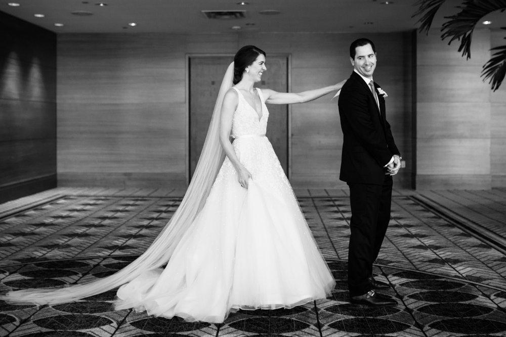 harold-washington-library-wedding-photos-9.jpg
