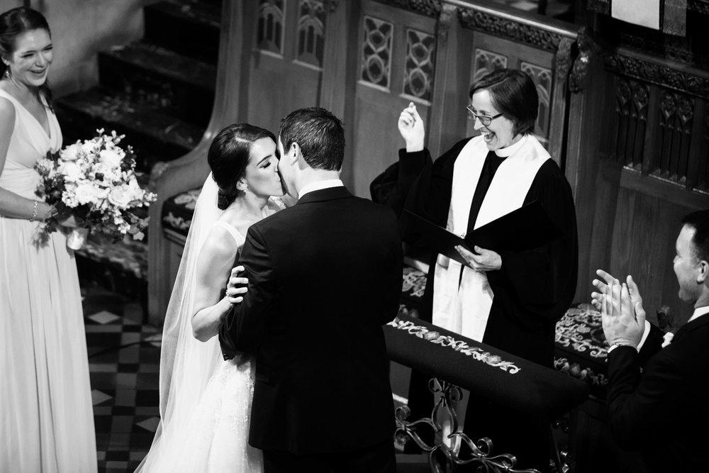 harold-washington-library-wedding-photos-23.jpg