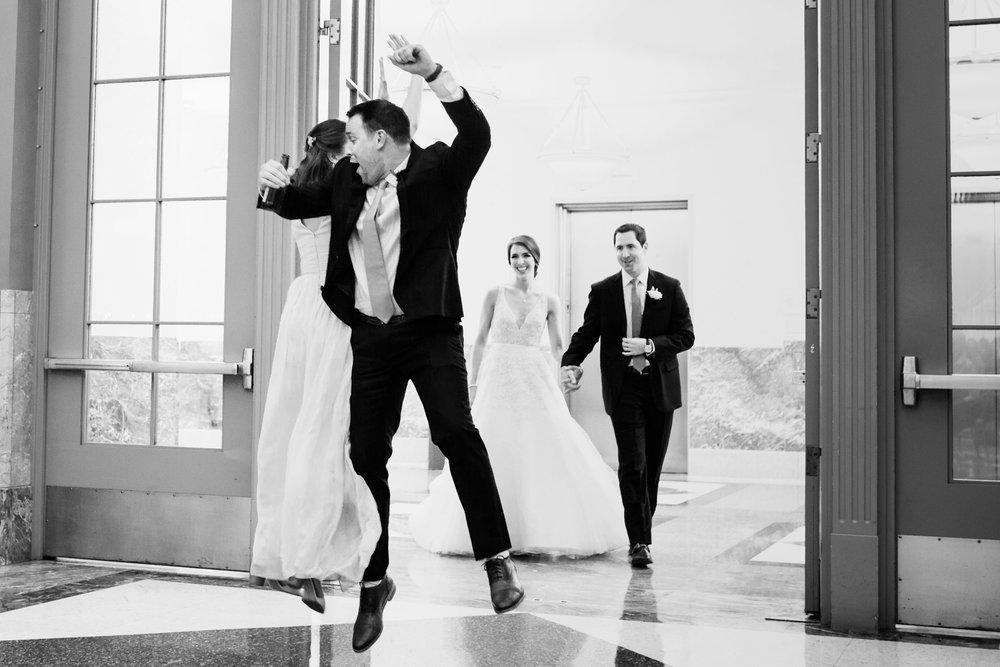 harold-washington-library-wedding-photos-39.jpg