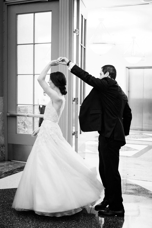 harold-washington-library-wedding-photos-40.jpg