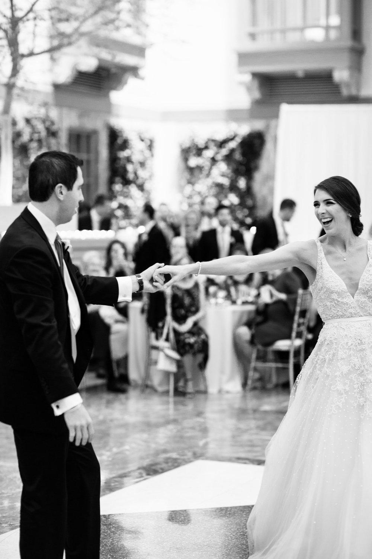 harold-washington-library-wedding-photos-42.jpg