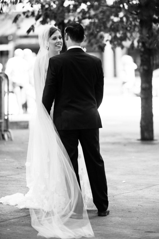chicago-illuminating-wedding-photos-5.jpg