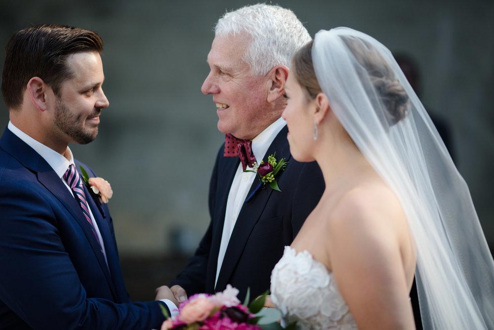 chicago-illuminating-wedding-photos-25.jpg