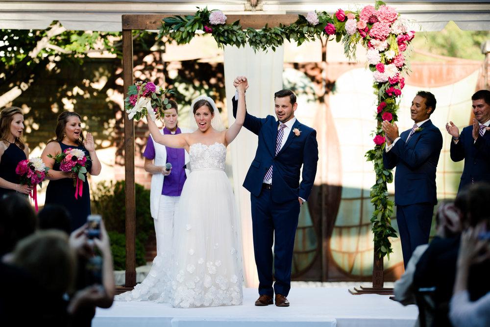 chicago-illuminating-wedding-photos-29.jpg