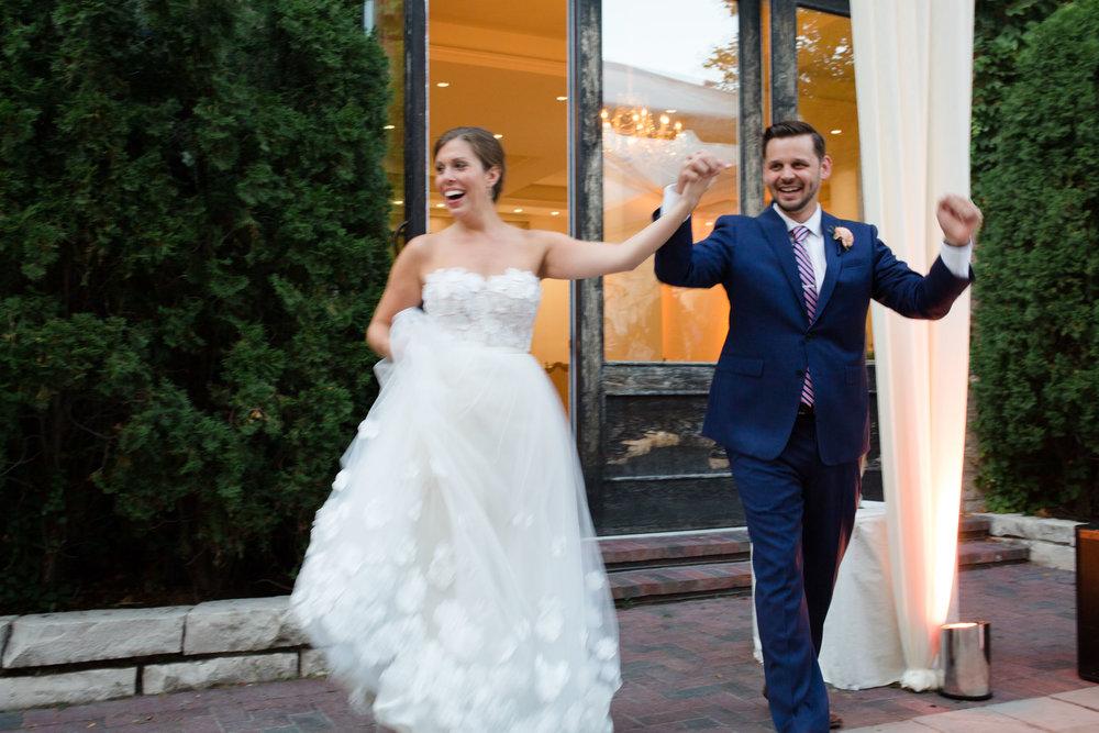 chicago-illuminating-wedding-photos-33.jpg