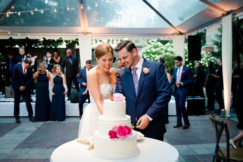 chicago-illuminating-wedding-photos-34.jpg