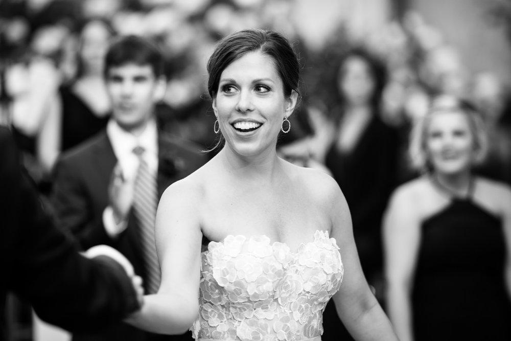 chicago-illuminating-wedding-photos-35.jpg
