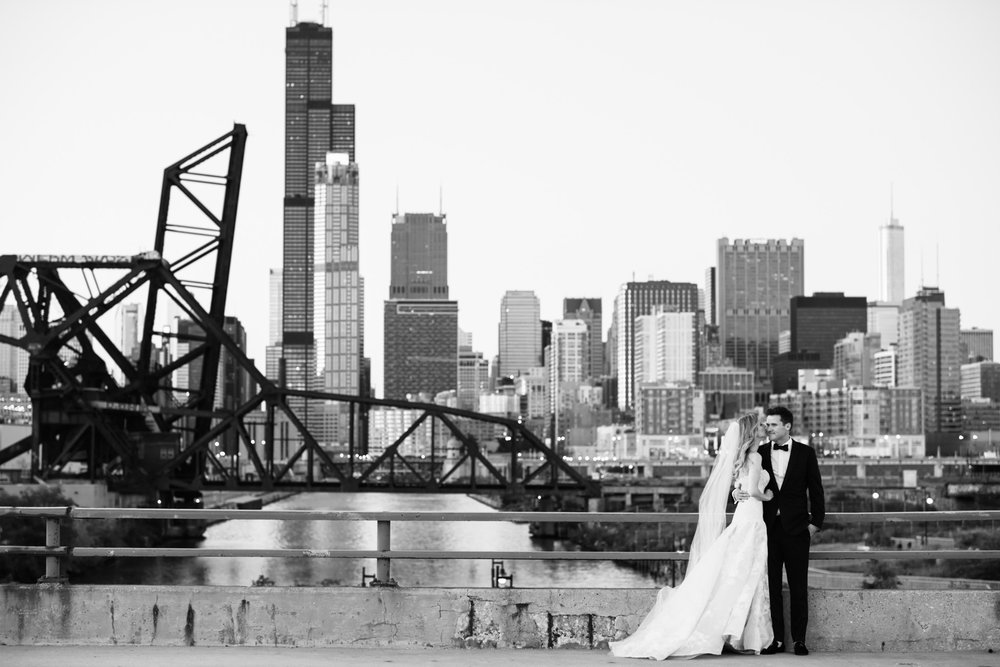 chicago-illuminating-co-south-loop-wedding-34.jpg