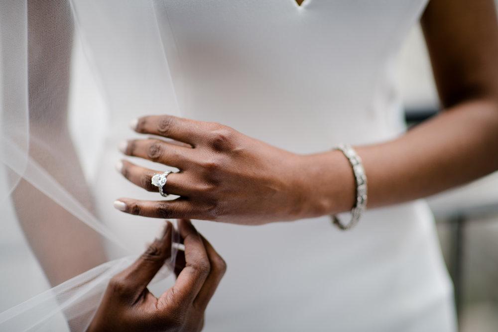 Elegant Modern Wing Wedding at the Art Institute of Chicago15.jpg