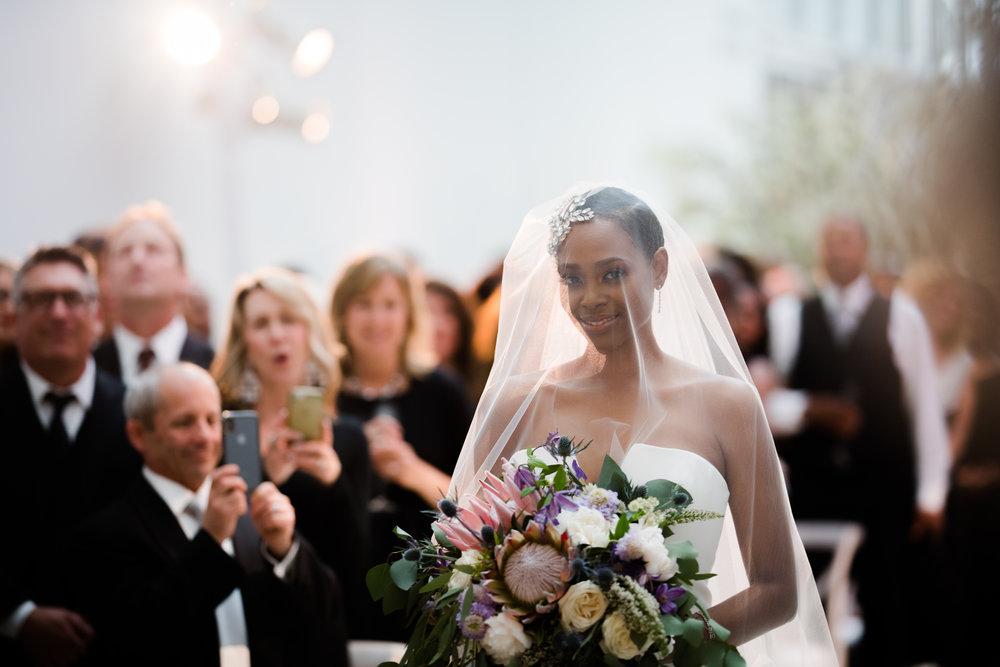 Elegant Modern Wing Wedding at the Art Institute of Chicago26.jpg