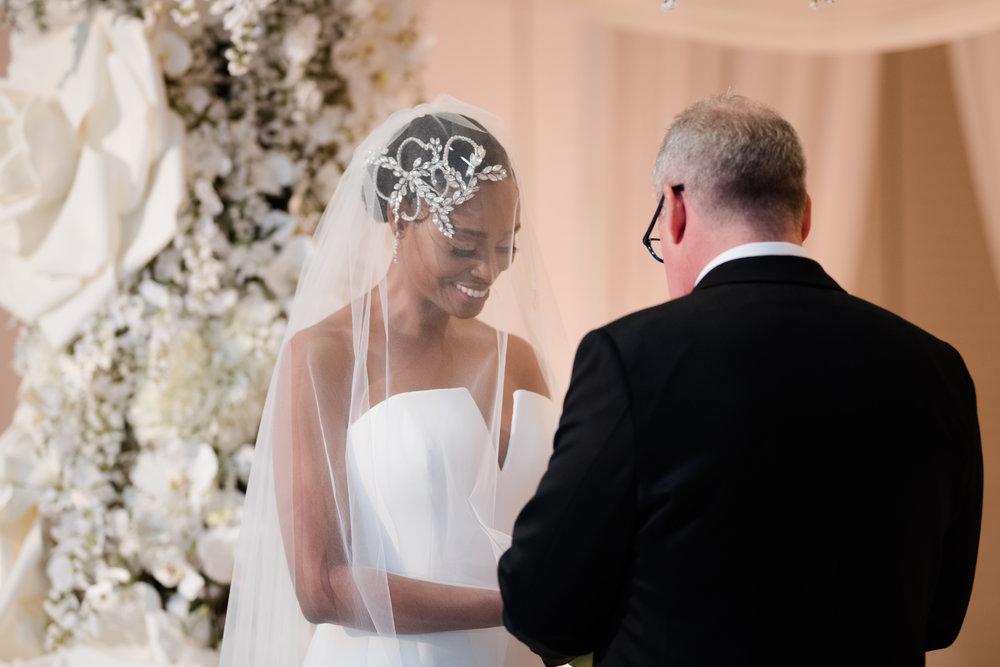 Elegant Modern Wing Wedding at the Art Institute of Chicago28.jpg