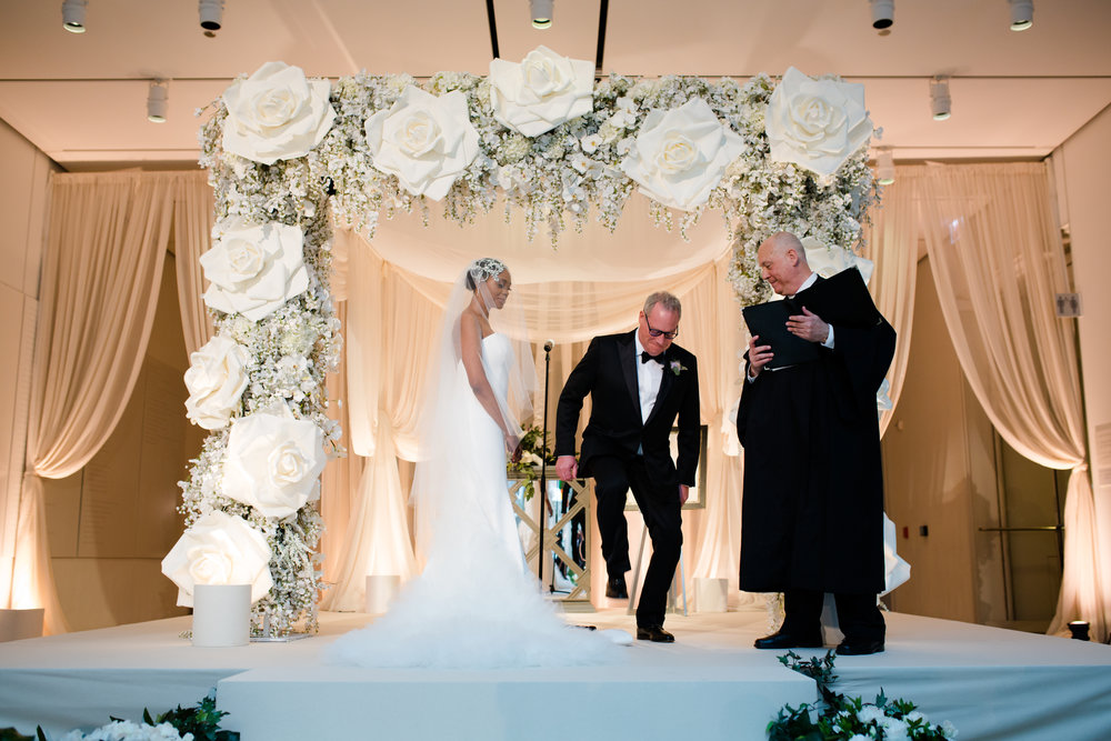 Elegant Modern Wing Wedding at the Art Institute of Chicago29.jpg
