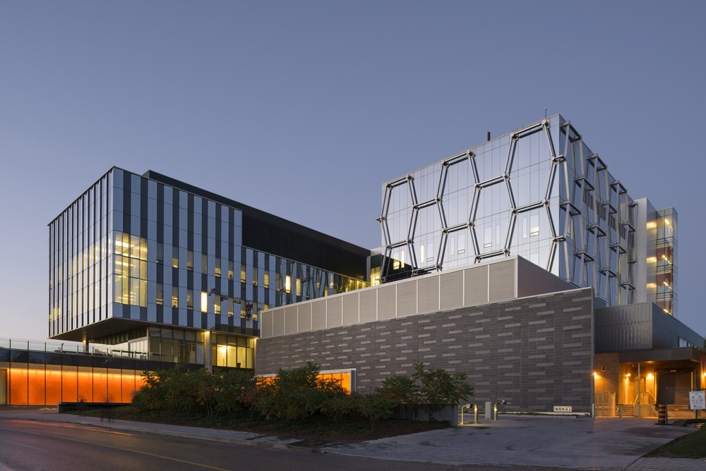 University of Waterloo Quantum-Nano Centre