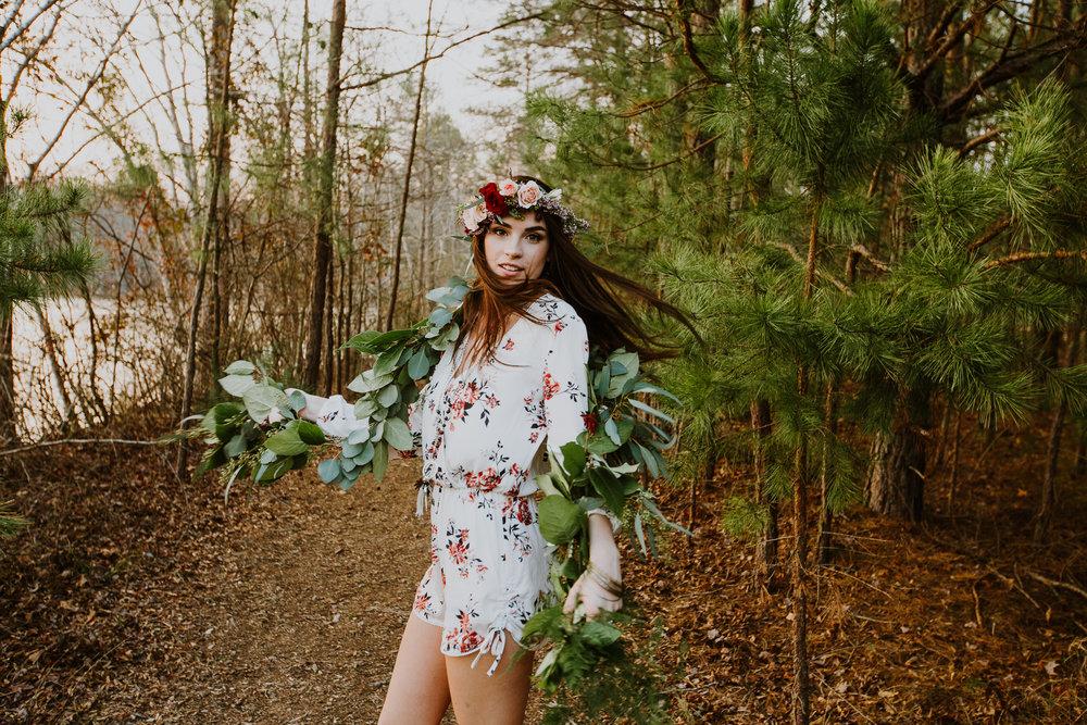 """""""Flower Child"""" Senior Portraits \\ Emmerson"""