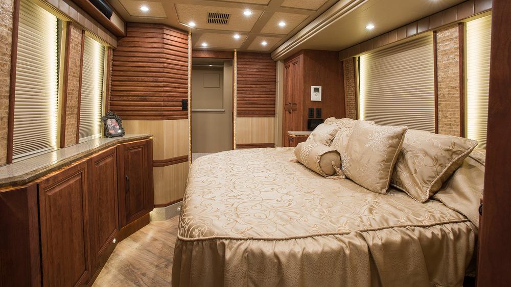 Emerald Coach 5909