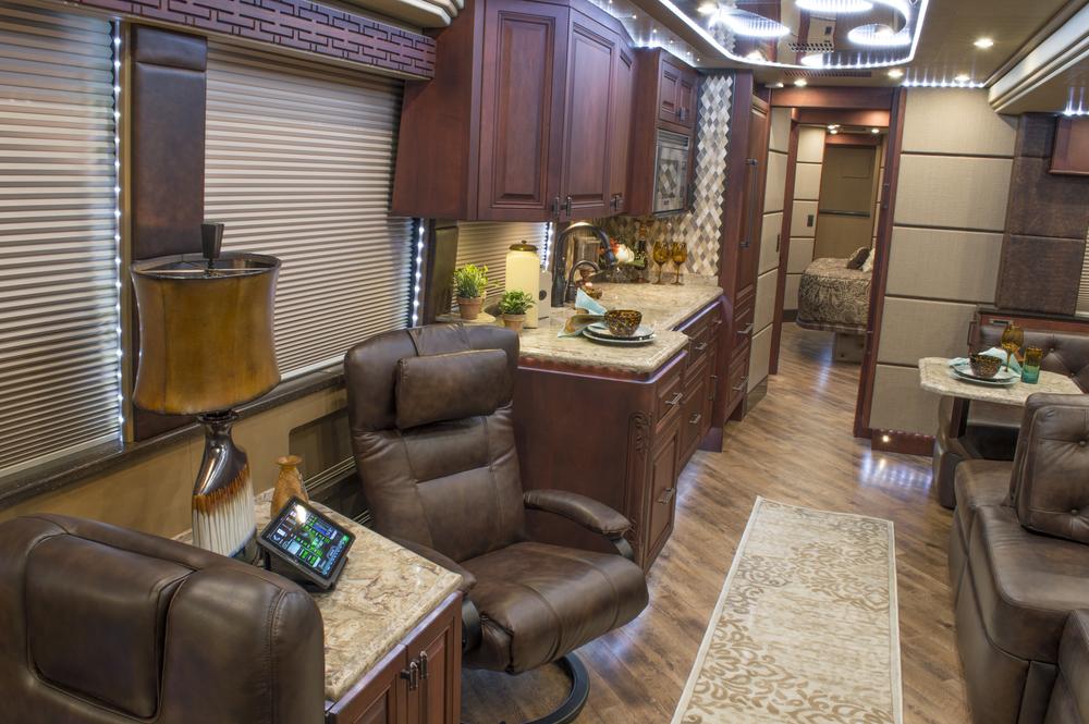 Emerald Coach 5581