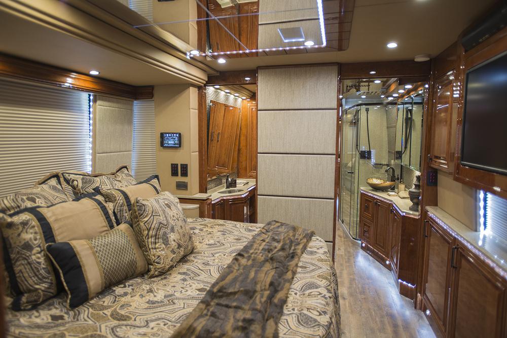 Emerald Coach 5458