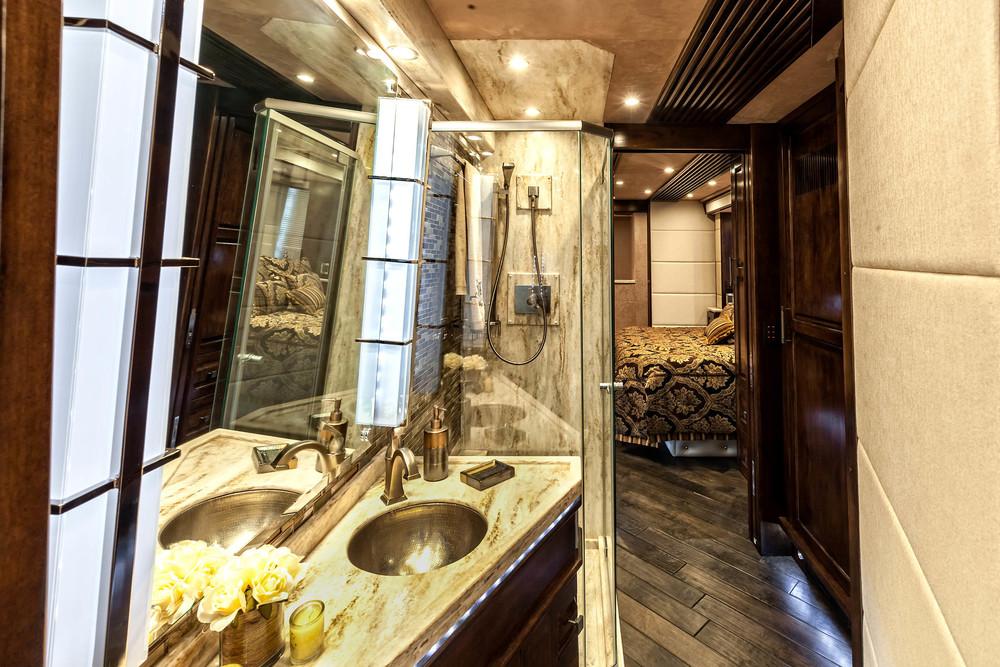 Emerald Coach 5297