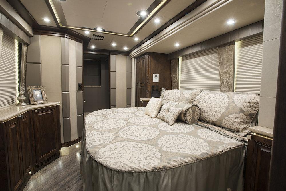 Emerald Coach 5922