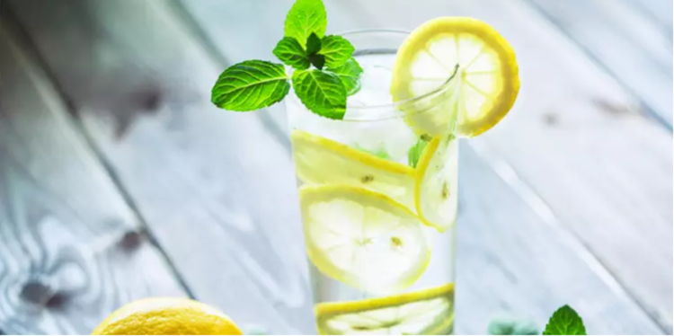 Does Lemon Water Work For Weight Loss?_Beachbody.png