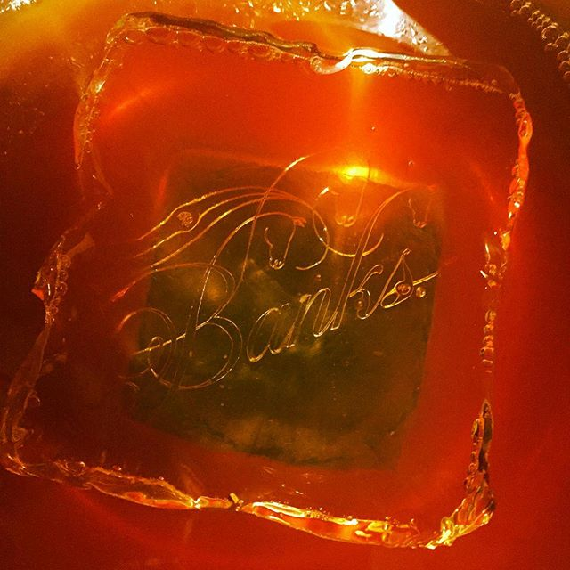 Sometimes the lighting hits the #ice at the perfect angle and you get to see the #etching of the @banksrums in the base of the #punchbowl...All after an amazing seminar by the incomparable #jimmeehan  #iceiscool #rum #cocktails #mixology #rumfest2016 #sanfrancisco  @mixography @solichs @bacardiusa